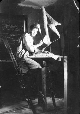 Ibram Lassaw working on his first fully abstract sculpture in 1933, age 20