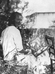 Charlotte Salomon painting in the garden at L'Ermitage, Villefranche-sur-Mer, ca. 1939